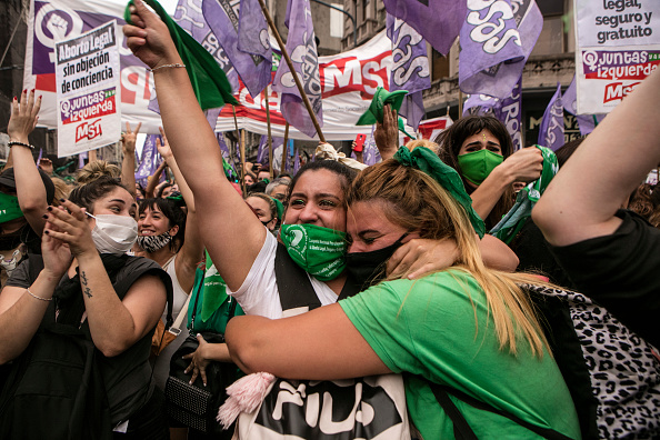 Buenos Aires「Lower House Gives Half Sanction to Bill to Legalize Abortion in Argentina」:写真・画像(18)[壁紙.com]