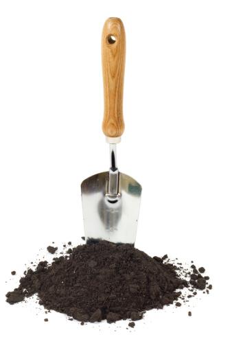 Handle「Gardening Trowel and Dirt Isolated」:スマホ壁紙(2)