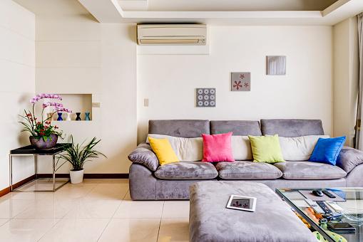 Plain「Neat and tidy living room」:スマホ壁紙(19)