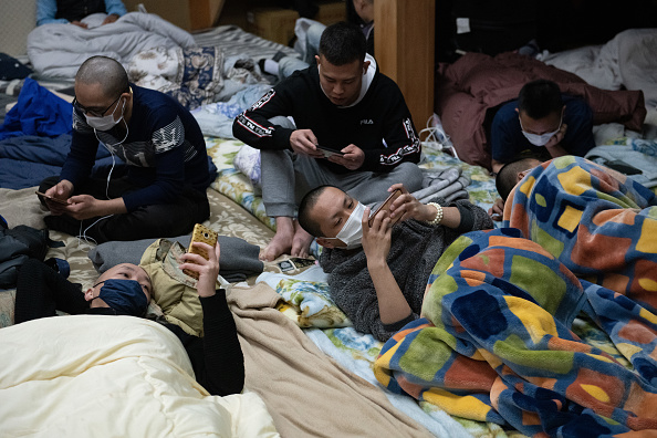 Homelessness「Made Jobless And Homeless By The Covid Pandemic, Vietnamese Migrants Shelter At A Buddhist Temple」:写真・画像(14)[壁紙.com]
