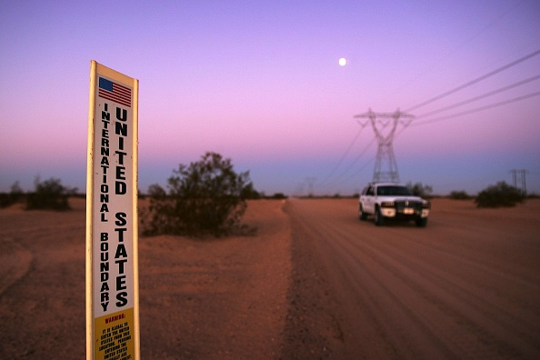 Mode of Transport「US-Mexico Border Fence Impacts Borderlands Environment」:写真・画像(18)[壁紙.com]