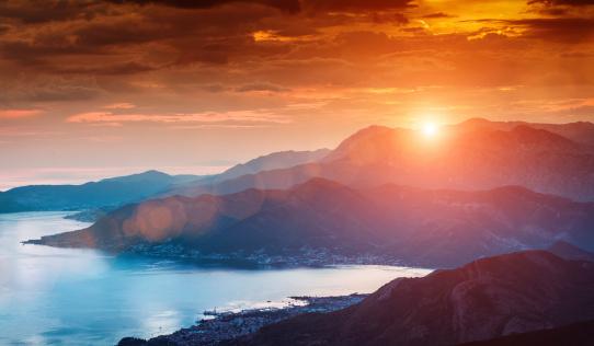 Croatia「Sun beams through clouds」:スマホ壁紙(5)
