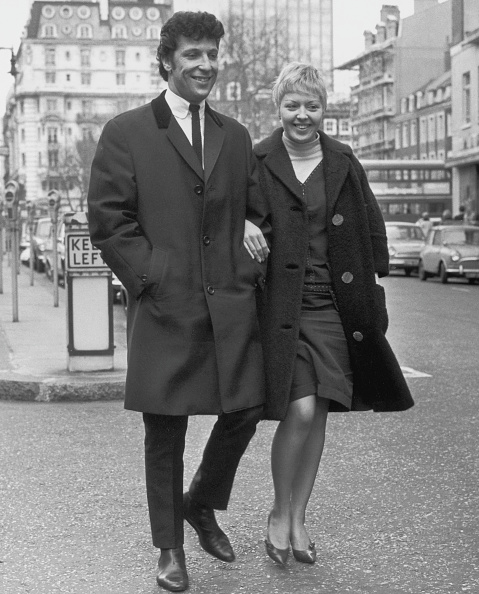 Singer「Tom Jones And Wife」:写真・画像(5)[壁紙.com]