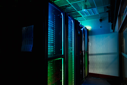 Data Center「Hi-Tech Supercomputer in Server Room」:スマホ壁紙(10)
