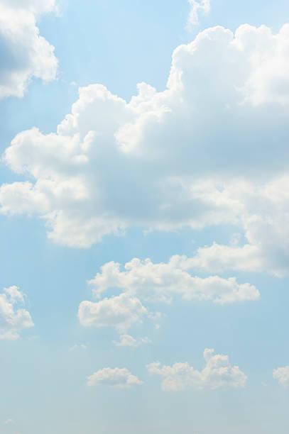 Blue sky:スマホ壁紙(壁紙.com)