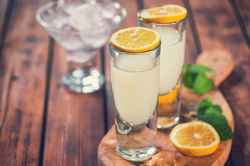 Tyrrhenian Sea「Italian Limoncello,Traditional Liqueur With Lemons」:スマホ壁紙(3)