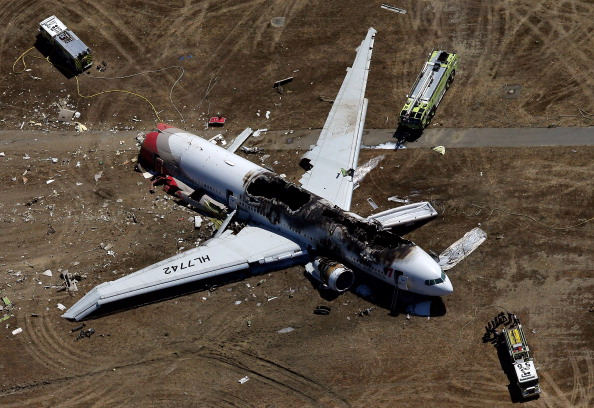 Burnt「Boeing 777 Crashes At San Francisco Airport」:写真・画像(7)[壁紙.com]