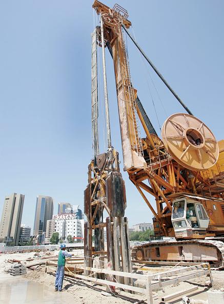 Construction Vehicle「Contruction of Dubai Metro Union spuare station, Dubai, United Arab Emirates, April 2006.」:写真・画像(15)[壁紙.com]