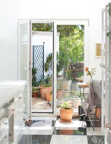Gardening「Home sweet home」:スマホ壁紙(16)