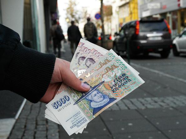 Crisis「Iceland Faces Potential Bankruptcy」:写真・画像(9)[壁紙.com]