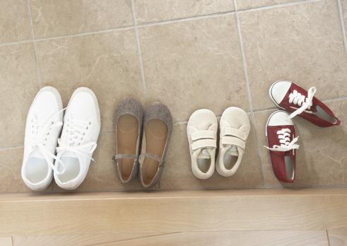 Shoe「Shoes in entrance」:スマホ壁紙(18)