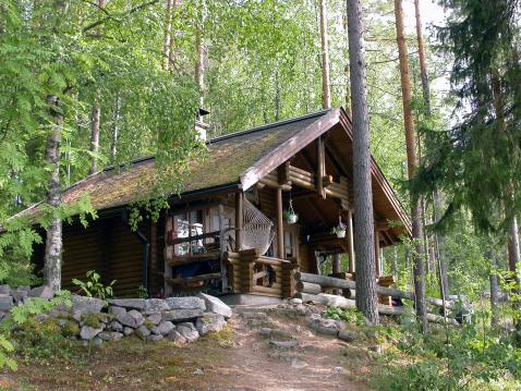 Log「A pretty log cabin in the woods」:スマホ壁紙(10)