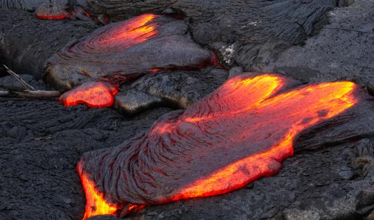 Volcano「Lava Breakout」:スマホ壁紙(15)
