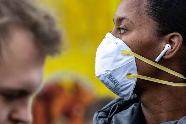 Topix「New York Mayor De Blasio Distributes Information On The Coronavirus In Union Square」:写真・画像(10)[壁紙.com]