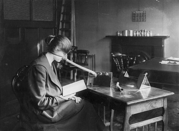 England「Woman In Flu Mask」:写真・画像(8)[壁紙.com]