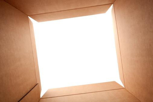Opening「Cardboard box」:スマホ壁紙(10)