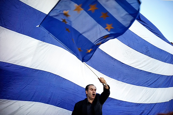 Greece「European Union Supporters Demonstrate In Athens As Eurozone Leaders Meet For Summit」:写真・画像(3)[壁紙.com]