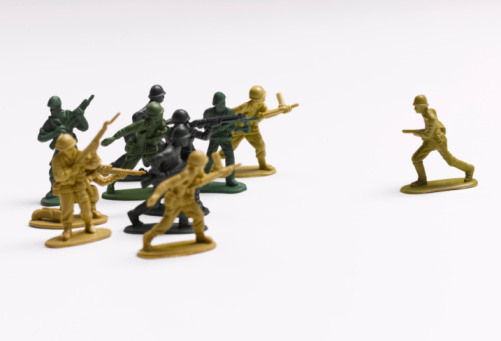 Army Soldier「Toy soldiers fighting」:スマホ壁紙(11)