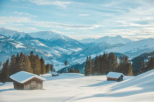 Passenger Cabin「Mountain huts in snowy Laax, Switzerland.」:スマホ壁紙(4)