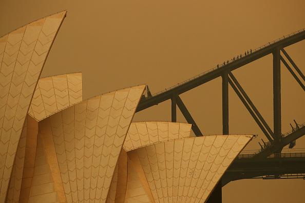 Sydney「Sydney Blanketed In Smoke As Bushfires Continue To Burn Across NSW」:写真・画像(15)[壁紙.com]
