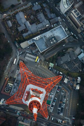 Tokyo Tower「Japan, Tokyo, Aerial view of Minato-ku ward and Tokyo Tower」:スマホ壁紙(13)