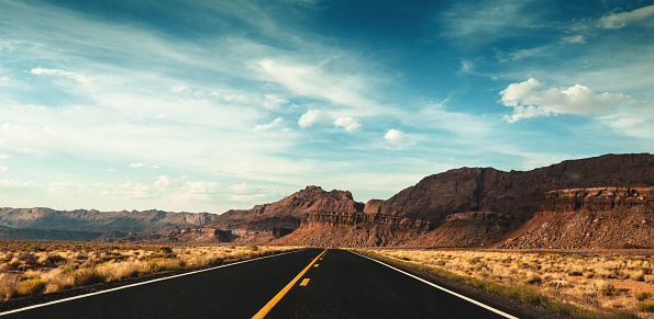 Utah「driving on moab」:スマホ壁紙(2)