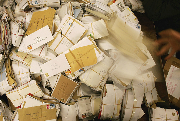 Post - Structure「Celebrities Launch Post Office Appeal」:写真・画像(7)[壁紙.com]