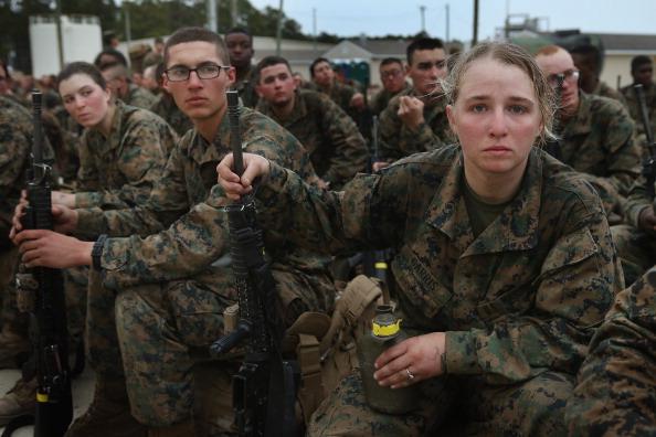 Infantry「Female Marines Participate In Marine Combat Training At Camp LeJeune」:写真・画像(9)[壁紙.com]