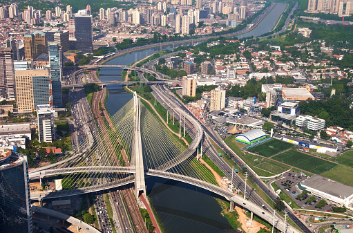 Postmodern「Suspended bridge in Sao Paulo City」:スマホ壁紙(19)