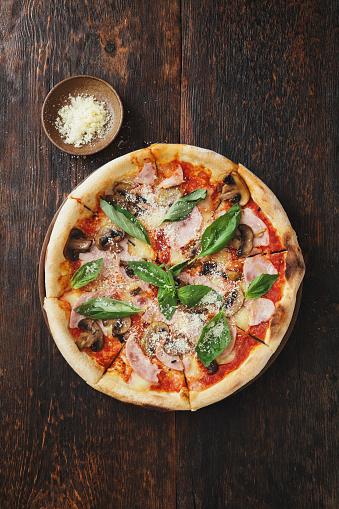 Take Out Food「Pizza with ham, mozzarella, mushrooms, herbs」:スマホ壁紙(4)