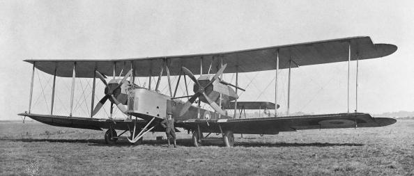 Brown「Vickers Vimy Mk VIII」:写真・画像(9)[壁紙.com]