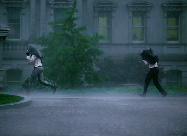 Shower「Large Mid-Atlantic Weather System Brings Heavy Rain And Wind To DC Area」:写真・画像(15)[壁紙.com]