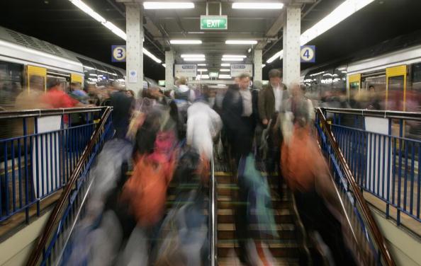 Train - Vehicle「Pope Benedict XVI's Motorcade Travels Through Sydney CBD」:写真・画像(4)[壁紙.com]