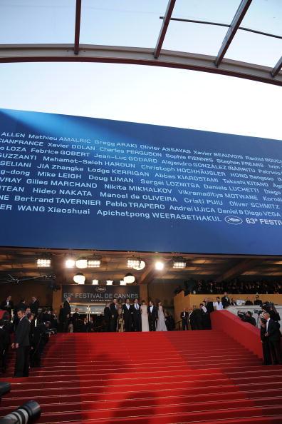 Palais des Festivals et des Congres「Biutiful - Premiere: 63rd Cannes Film Festival」:写真・画像(12)[壁紙.com]