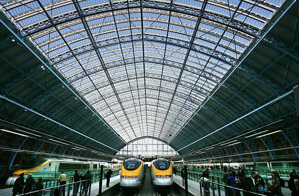 Railroad Station「St Pancras International Station Begins Its Eurostar Service」:写真・画像(2)[壁紙.com]