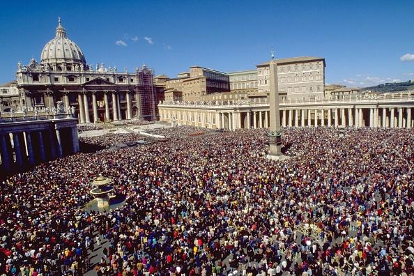 Religious Mass「Pope John Paul II Celebrates Easter」:写真・画像(5)[壁紙.com]