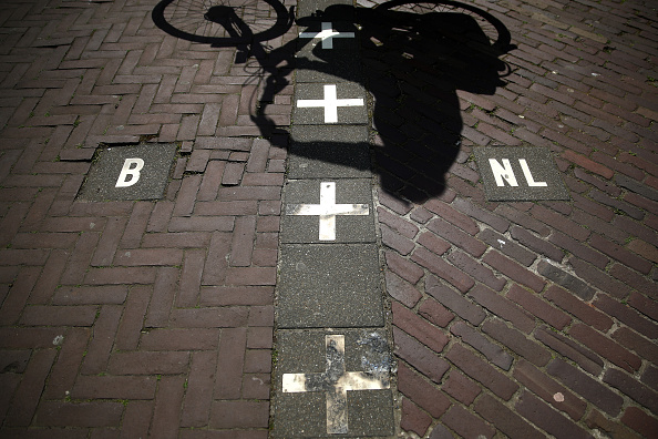 Netherlands「Dutch-Belgian Border Town Highlights Europe's Differing Approaches To Pandemic」:写真・画像(7)[壁紙.com]