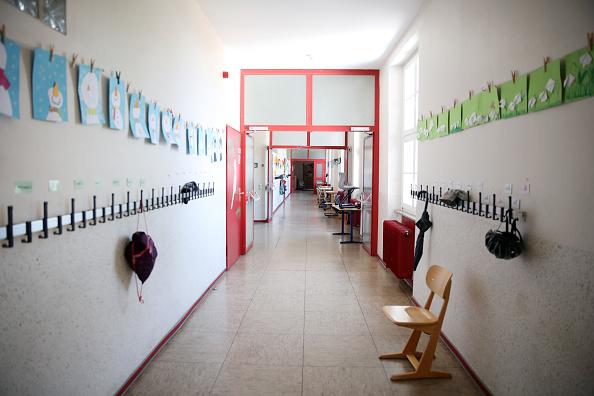 School Building「Germany Debates Reopening Schools」:写真・画像(1)[壁紙.com]