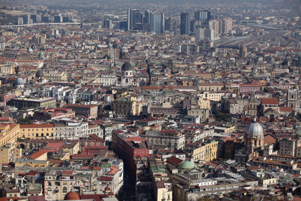 City「New Government Attempt To Lift Italy Out Of Economic Crisis」:写真・画像(2)[壁紙.com]