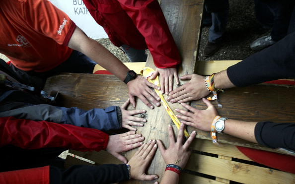 Teamwork「The Cross Of World Youth Day Arrives In Cologne」:写真・画像(0)[壁紙.com]