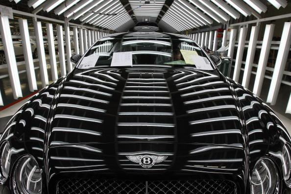Bentley「Latest Bentleys Roll Off The Crewe Production Line」:写真・画像(1)[壁紙.com]