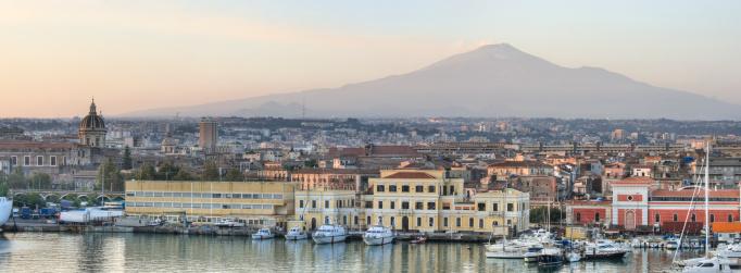 Active Volcano「Catania Sicily and Mount Etna Panorama (XXXL)」:スマホ壁紙(1)