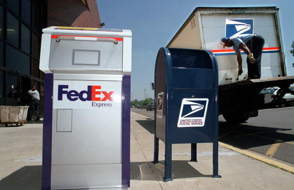 Box - Container「FedEx And US Postal Service Cement Agreement」:写真・画像(13)[壁紙.com]