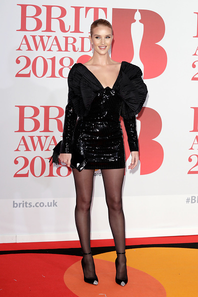 Sequin Dress「The BRIT Awards 2018 - Red Carpet Arrivals」:写真・画像(0)[壁紙.com]
