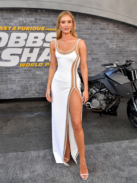 """Rosie Huntington-Whiteley「Premiere Of Universal Pictures' """"Fast & Furious Presents: Hobbs & Shaw"""" - Red Carpet」:写真・画像(0)[壁紙.com]"""