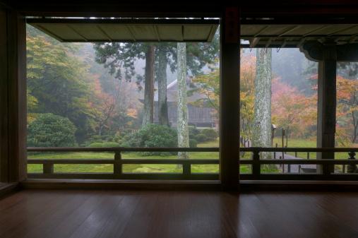 Kyoto Prefecture「Garden view from tea house, Kyoto, Honshu, Japan」:スマホ壁紙(3)