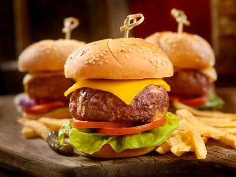 Cheeseburger「Mini CheeseBurgers with Fries」:スマホ壁紙(10)