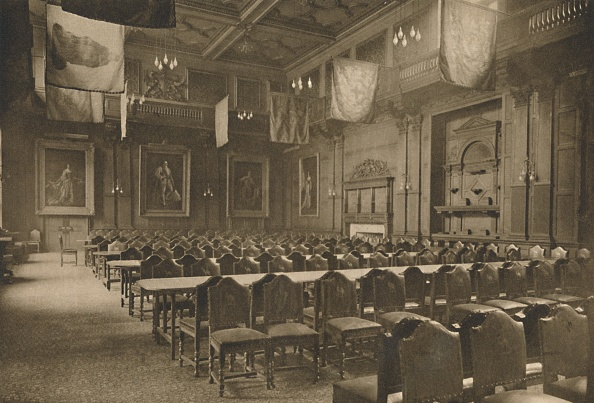 Business Finance and Industry「Flag-Hung Great Hall In Which The Powerful Company Of Grocers Holds Its Banquets」:写真・画像(0)[壁紙.com]