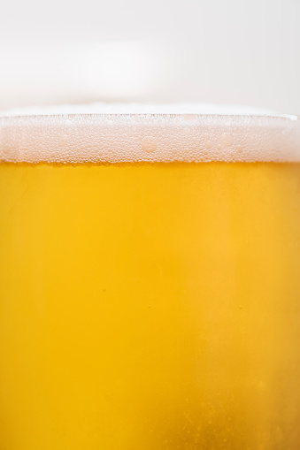 Beer - Alcohol「Glass of cold beer, close-up」:スマホ壁紙(4)