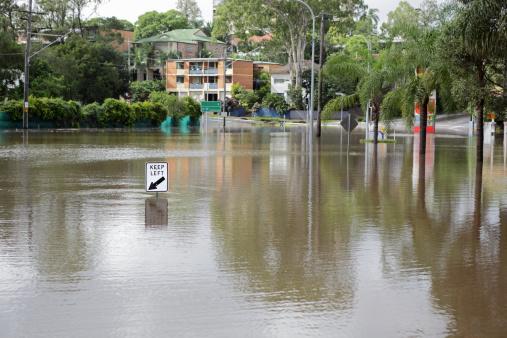 Queensland「Road covered by flood」:スマホ壁紙(0)